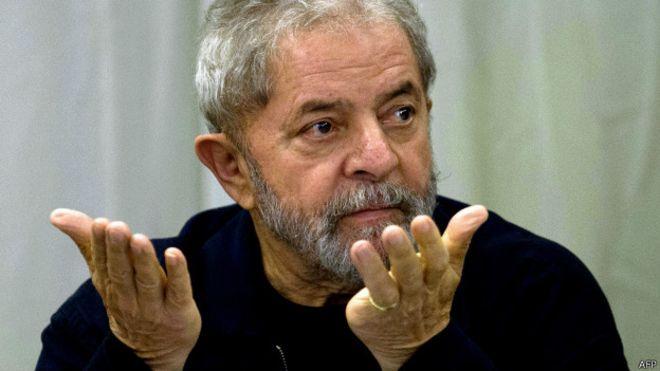 Erro em homenagem a Lula na Bahia causa alvoroço na internet