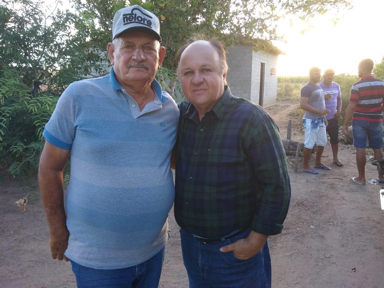 Ex - prefeito Sertório Ferro com Marcos Porto