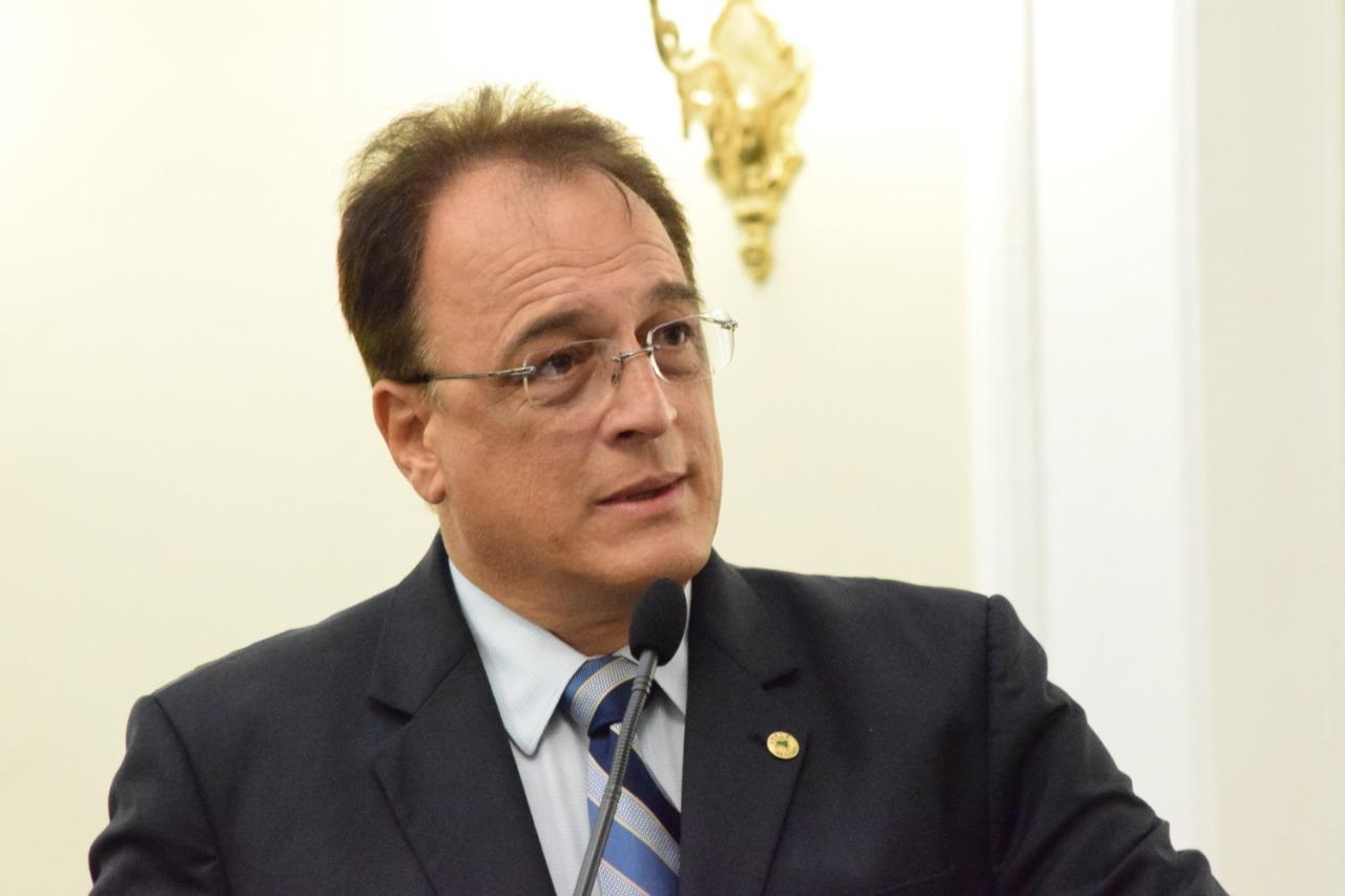 Deputado Galba Novaes