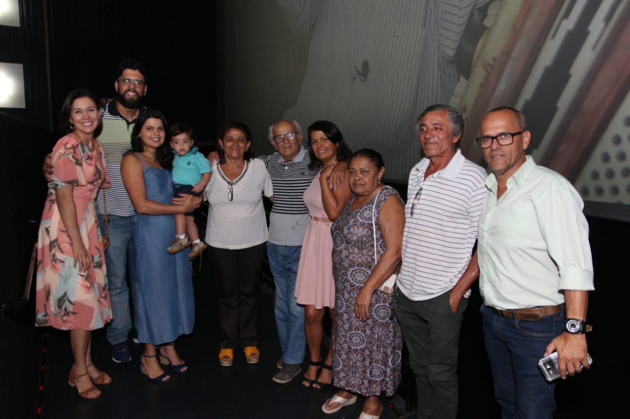 Raízes de Arapiracaexibe documentário sobre a vida do artista Miguel Vieira