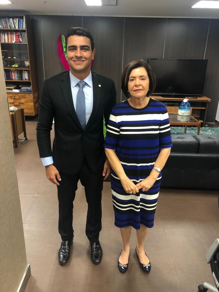 JHC com a Ministra Ana Arraes