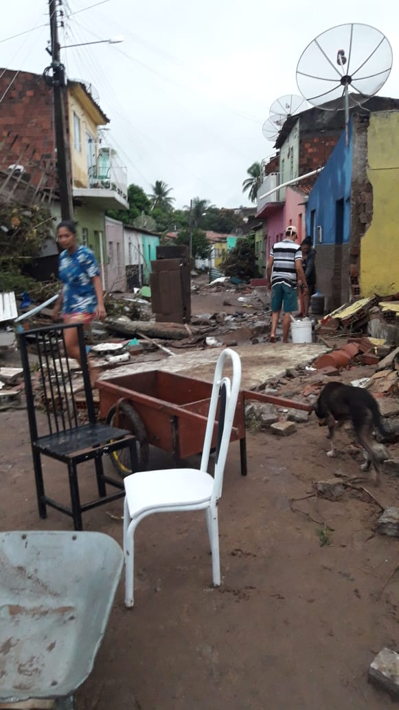 Chuvas no sertão deixa cidade de Santana do Ipanema parcialmente destruída