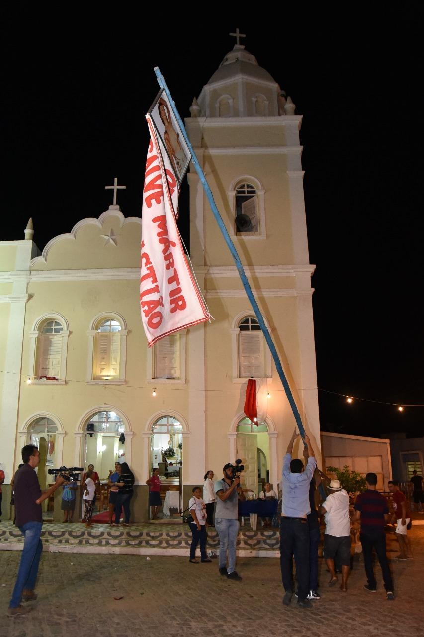 Procissão do Mastro abre festividades de São Sebastião em Limoeiro de Anadia.