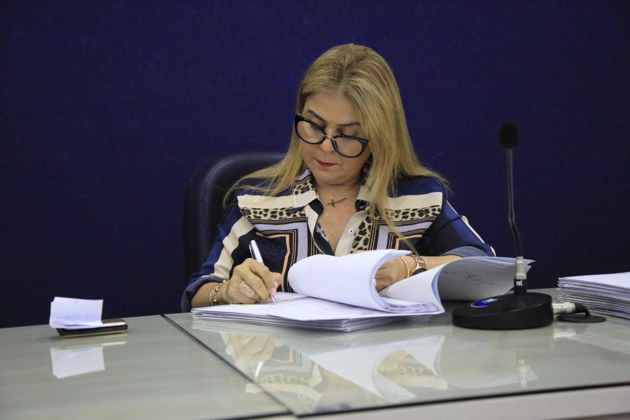 A vereadora Silvania Barbosa, autora do PL.