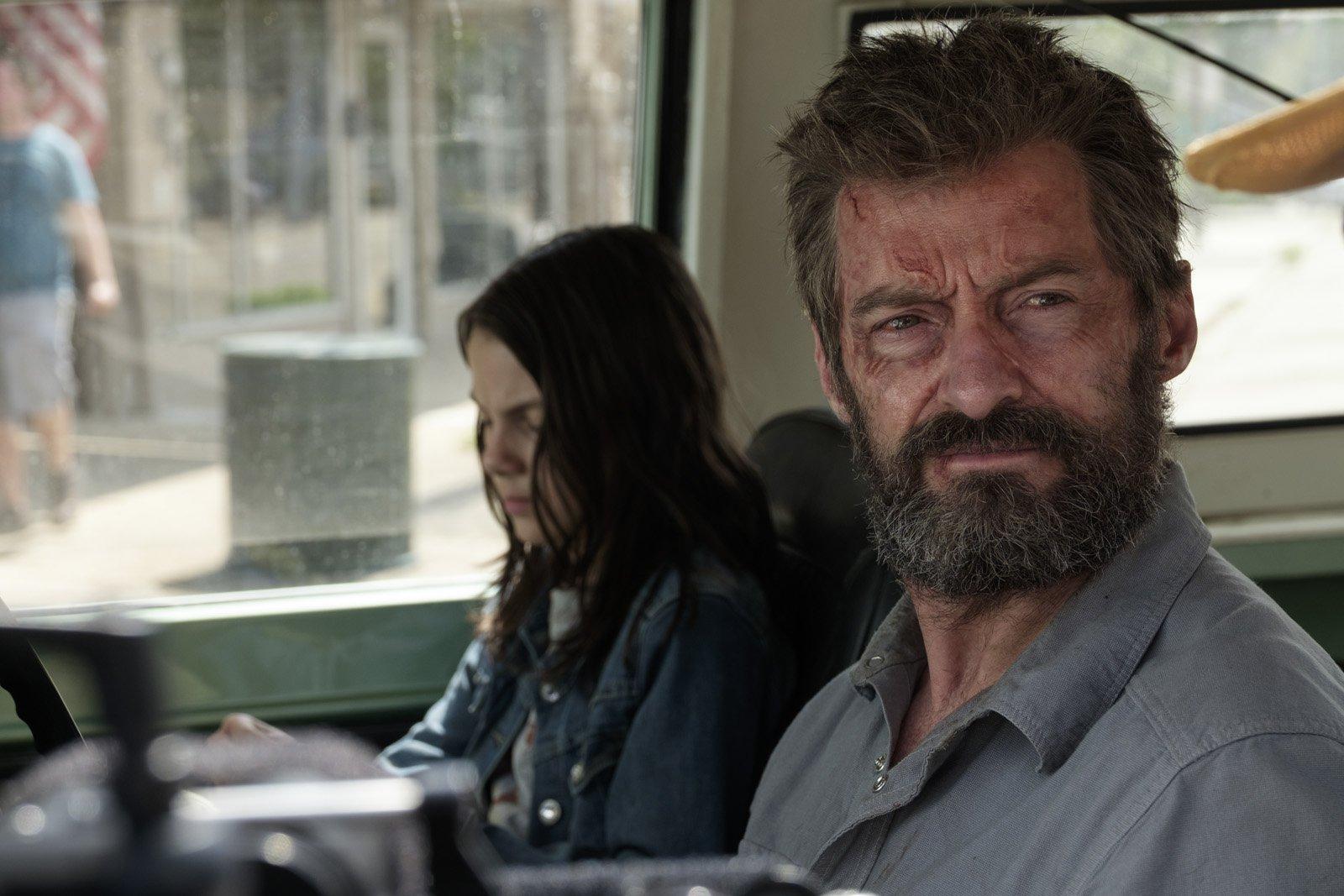 Hugh Jackman encarnando seu icônico personagem pela última vez em Logan.