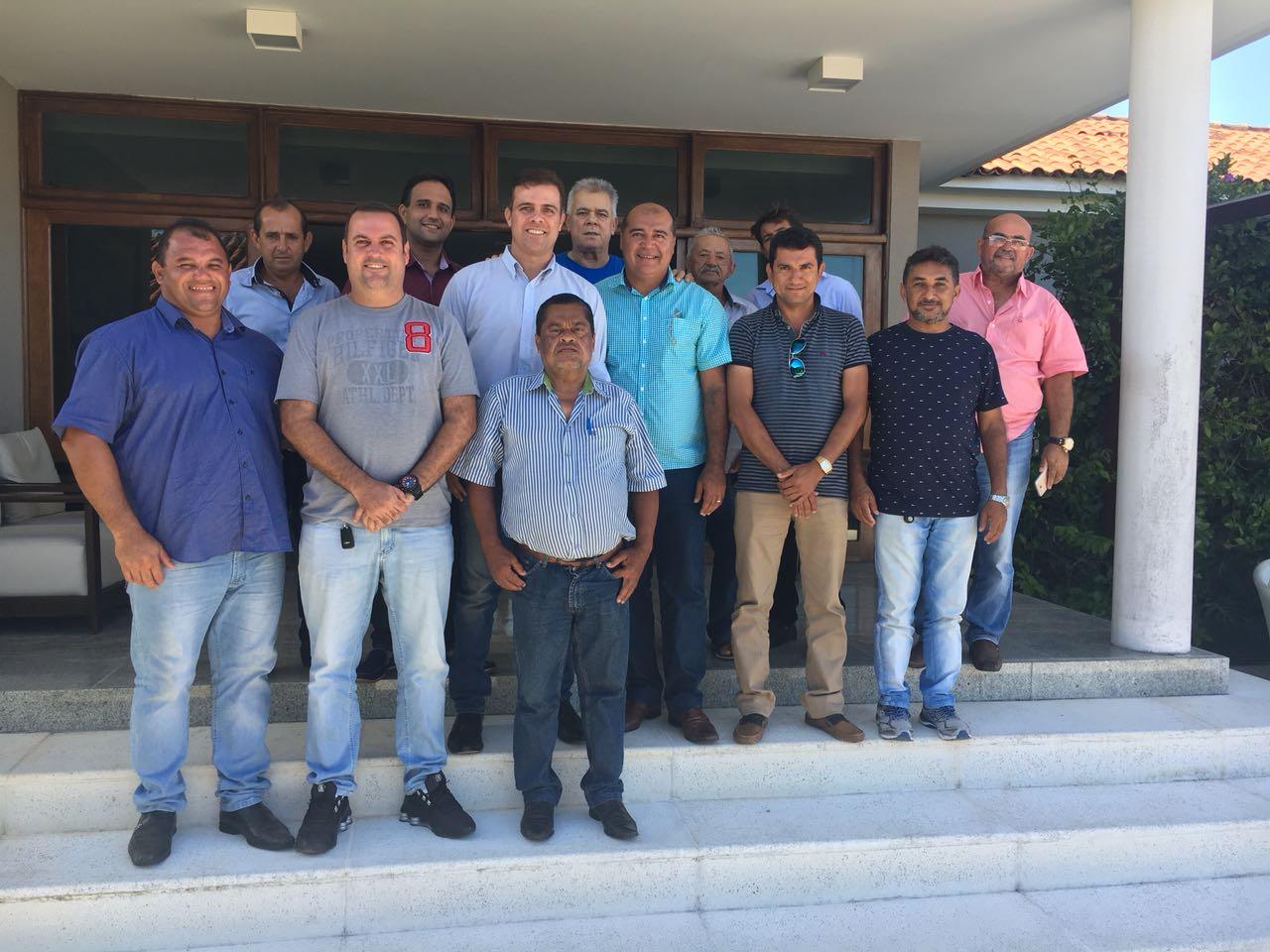 Vereadores de Coruripe visitam o deputado estadual e declaram apoio a João Beltrão