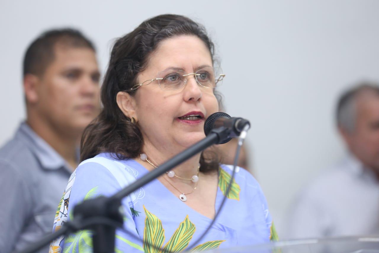 Secretária Noêmia Pereira