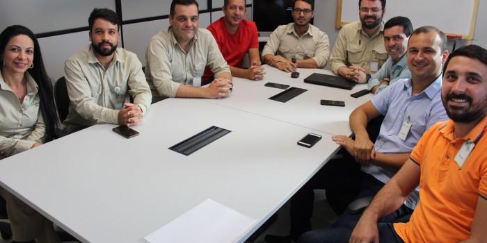 Ediel Leite lidera comitiva na reunião com representantes da Mineração Vale Verde em Craíbas
