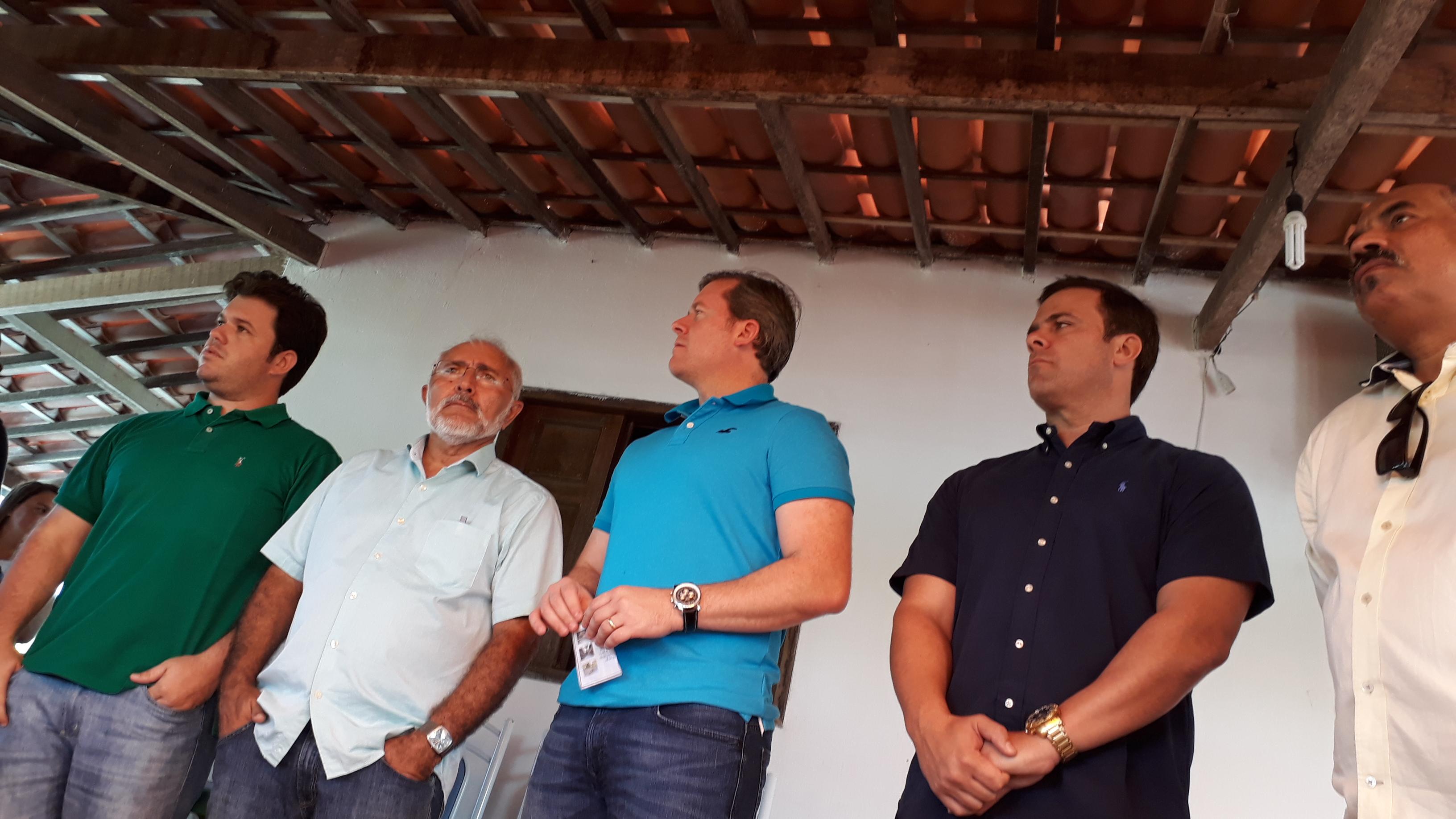 """Padre Eraldo Cordeiro (PSD) disse que tem administrado o município calado e aguentando """"pancadas"""